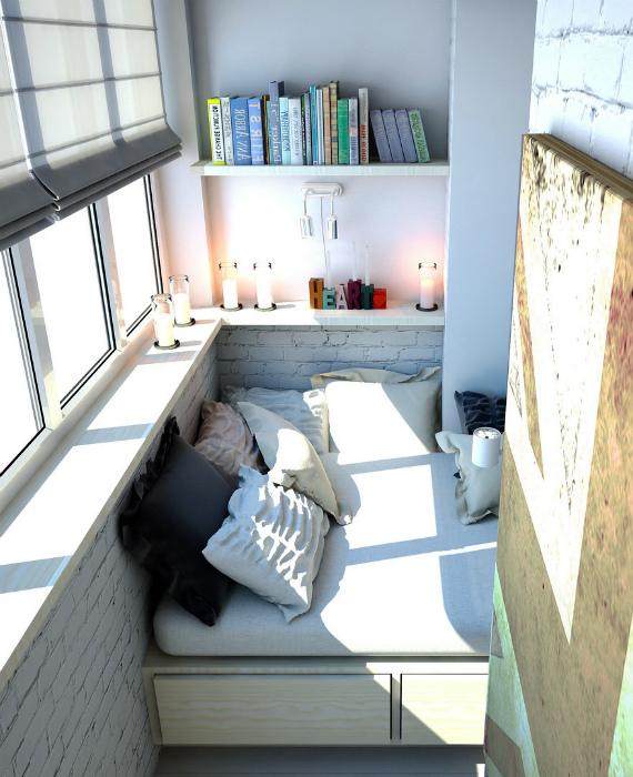 Когда балкон превращается в спальню.