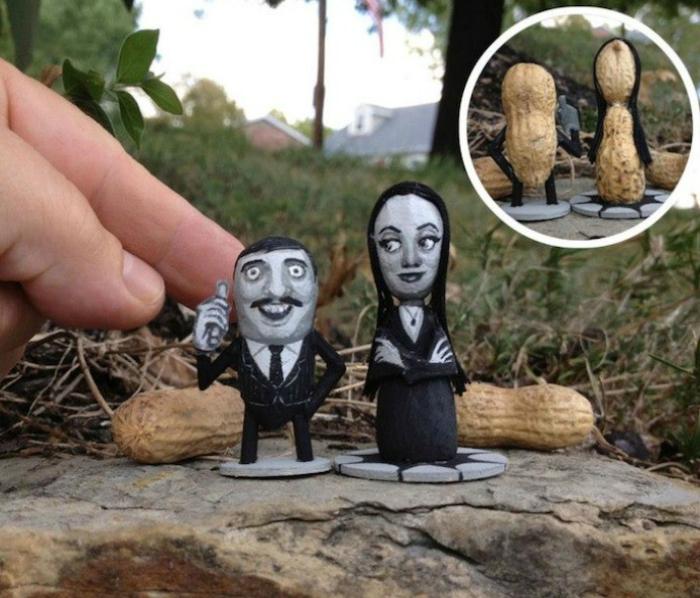 Мартиша и Гомес из арахиса.