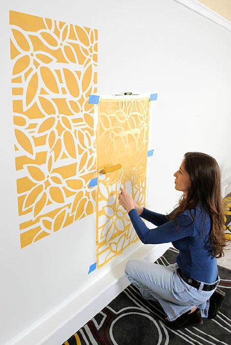 Рисунки на стенах.