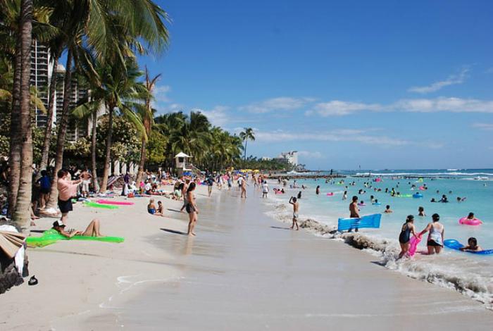 Более 10 000 пляжей и жизнь возле океана.
