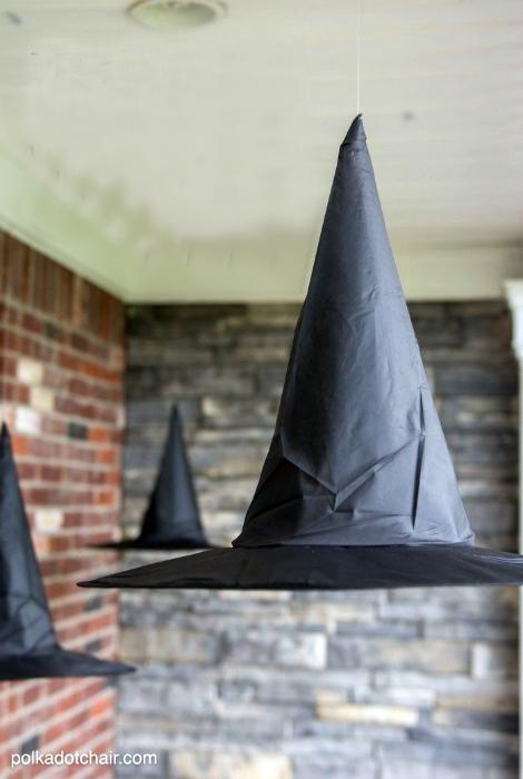 Парящие ведьмовские шляпы.