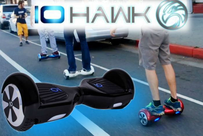 IO Hawk - это нечто среднее между скейтбордом и сегвеем. Вместо обычного руля тут хитрое рулевое устройство, которое реагирует на давление стоп и положение тела.
