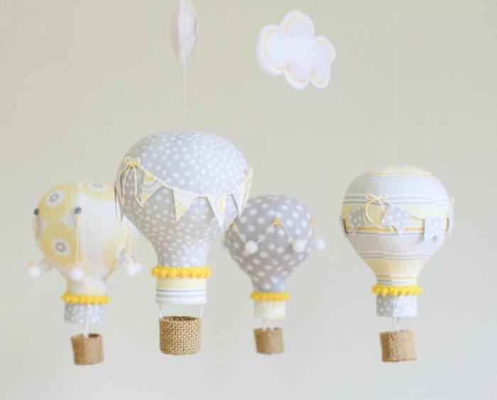 Декоративные аэростаты из лампочек.