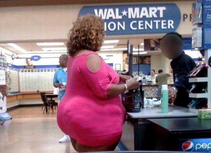 «Маленькое» розовое платье.