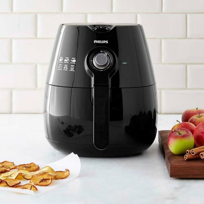 Уникальный гаджет, позволяющий жарить пищу с помощью горячего воздуха, используя минимальное количество подсолнечного масла или вообще без него.