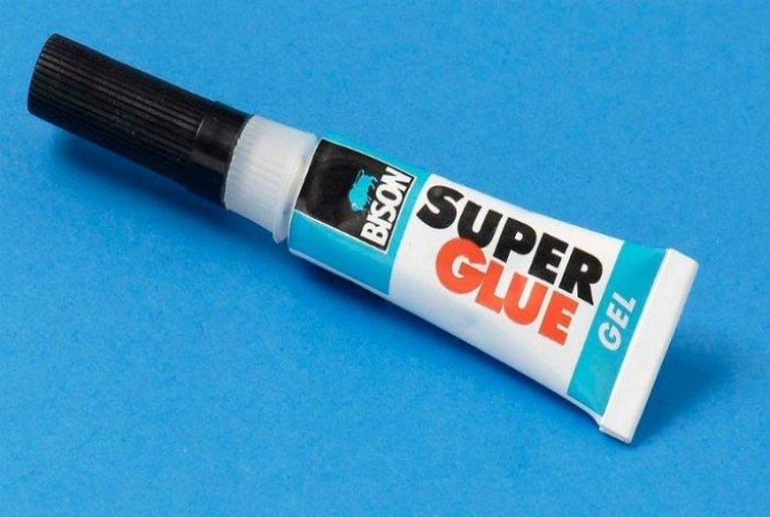 Изобретение суперклея.