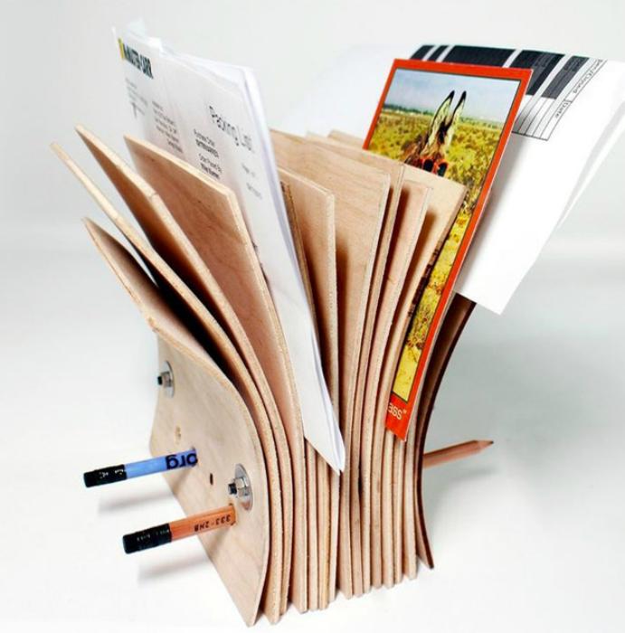 Подставка для корреспонденции из фанеры.