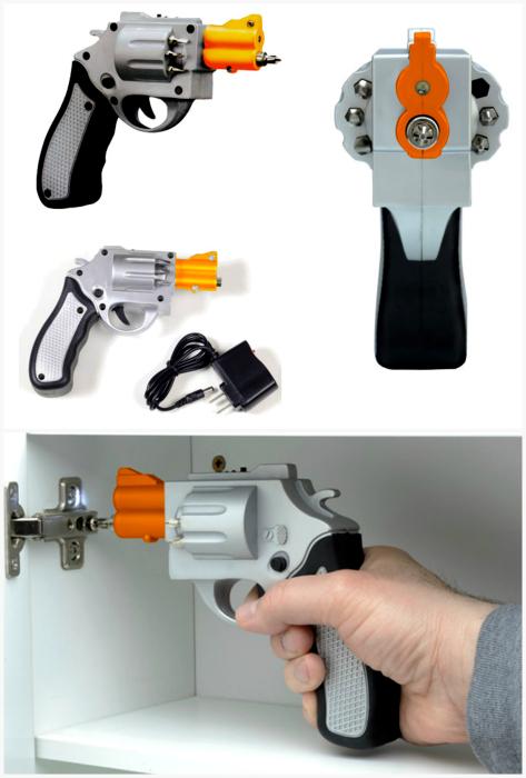 Электрический шуруповерт в виде револьвера.