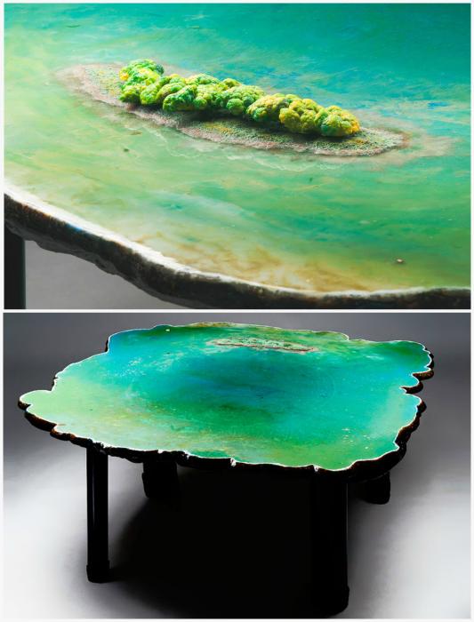 Стол в виде океана.