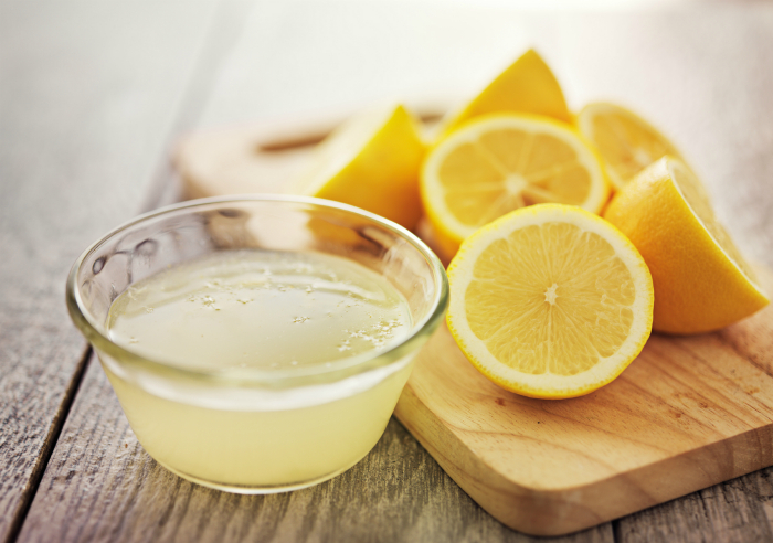 Лимонный сок в качестве приправы.