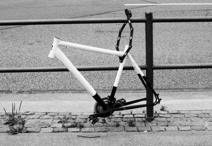 Остатки велосипеда.