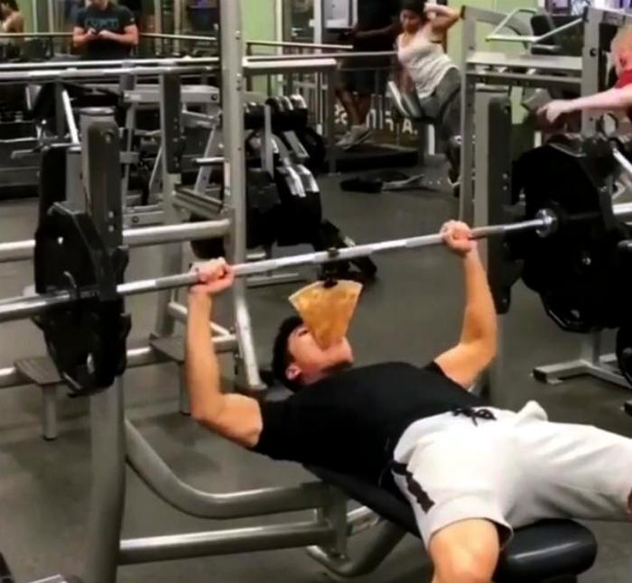 Жесткая спортивная мотивация.