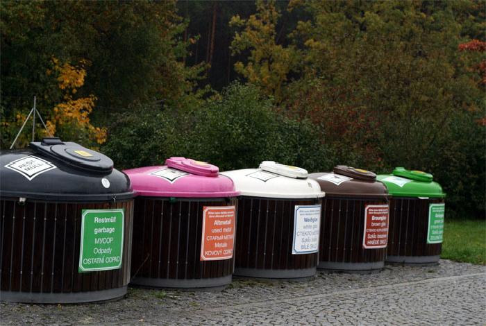 Сортировка мусора - пунктик каждого немца.
