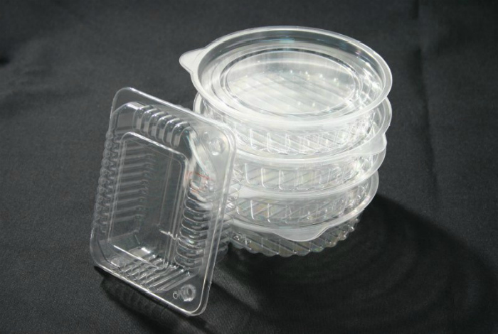 Хранить одноразовые контейнеры для еды.