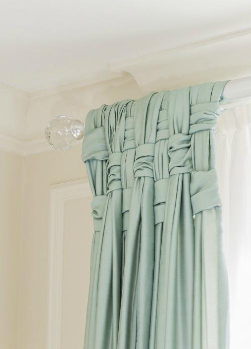 Замысловатое плетение добавит элегантности даже самым простым шторам.