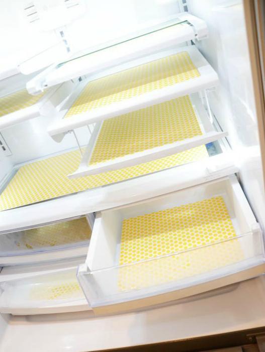 Чистота и приятный аромат в холодильнике.