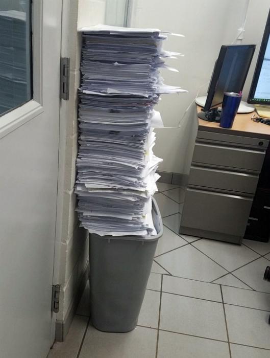 Слишком долго откладывал бумаги на завтра...