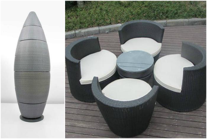 Садовый гарнитур из стола и стульев.