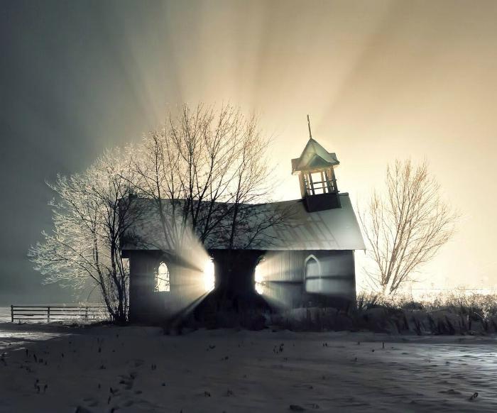 Заброшенная церковь в Канаде.