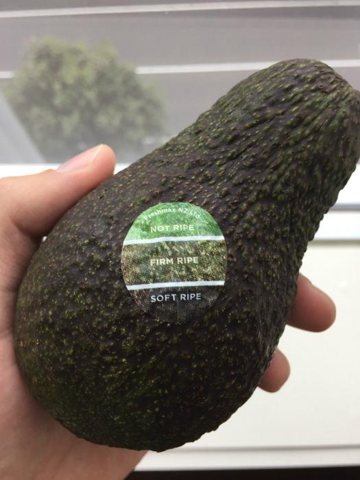 Наклейка на фрукты для определения спелости.
