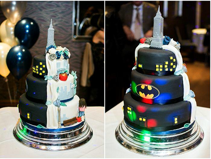 Свадебный торт из двух радикально разных половин.