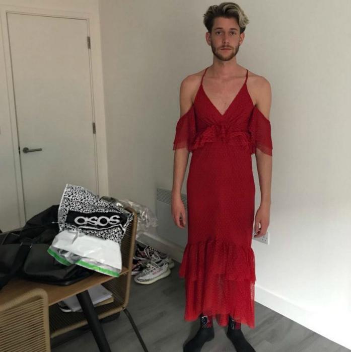 Красное платье? Для мужчины? А почему бы и нет! | Фото: RadioActiva.