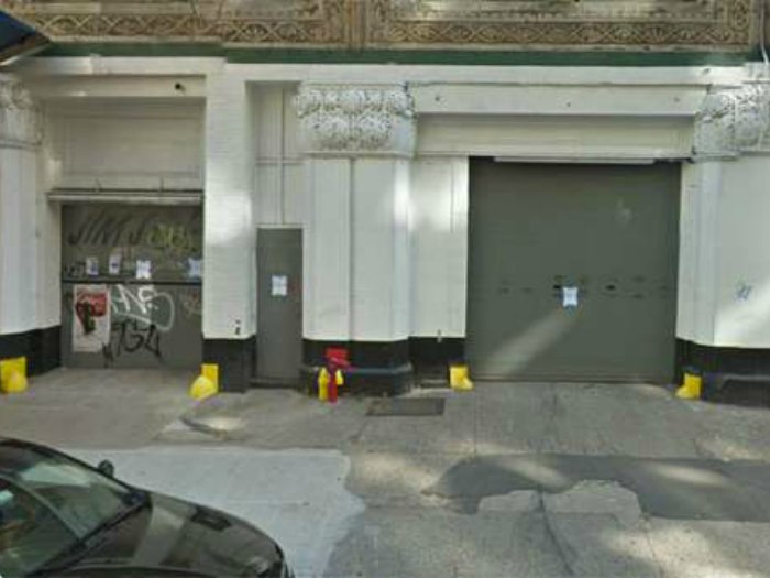Цена: $1 миллион. «Золотая» парковка, расположенная в на 11-ой улице в центре города Манхэттен.