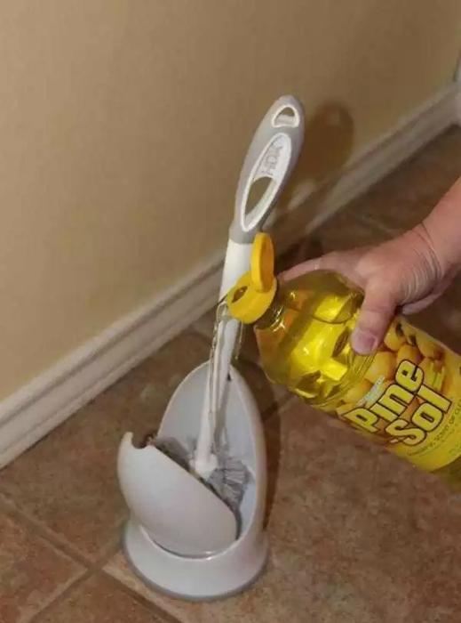Устранить неприятный запах в туалете.