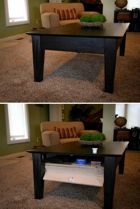 Стол с тайной секцией. | Фото: Шняги.Нет.