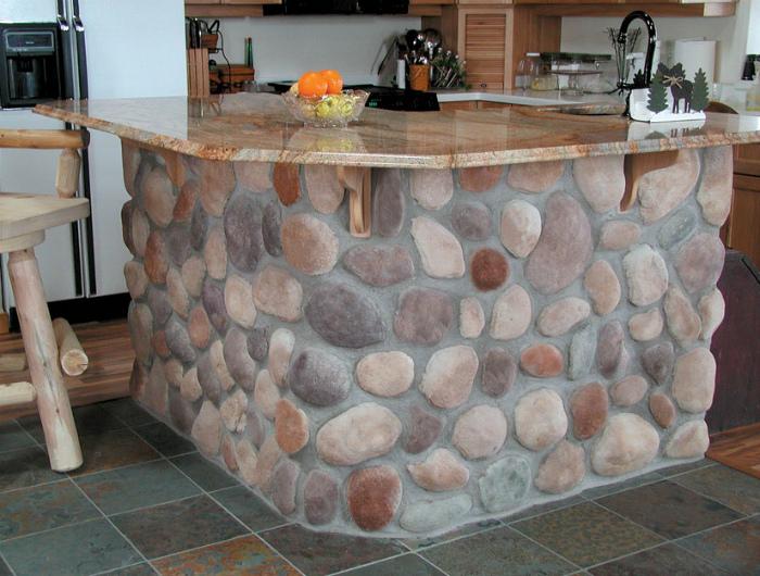 Оригинальный дизайн кухонного островка.