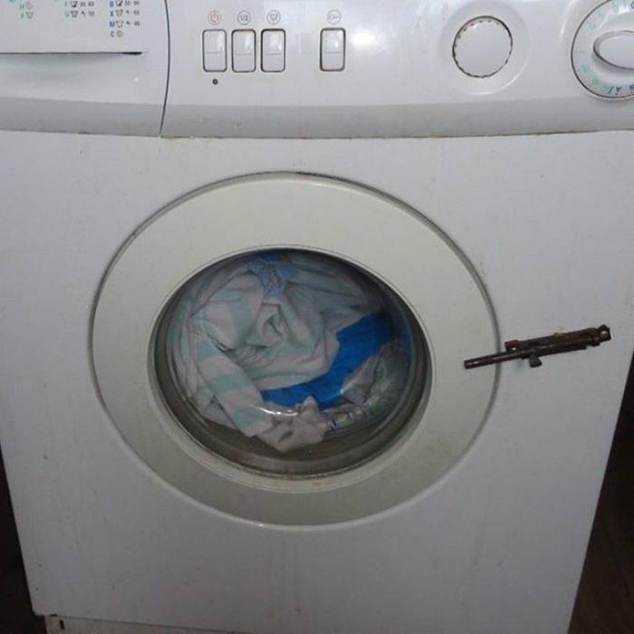 Шпингалет для стиральной машины.