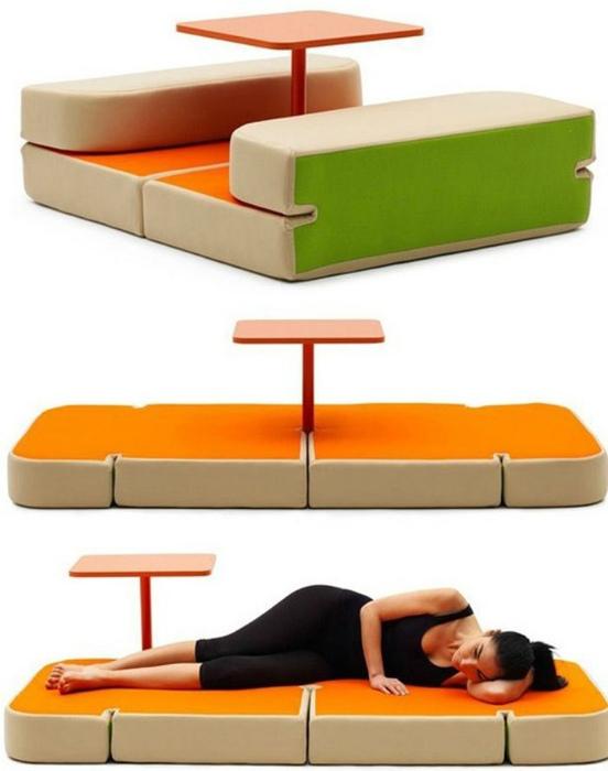 Яркая мебель-трансформер.