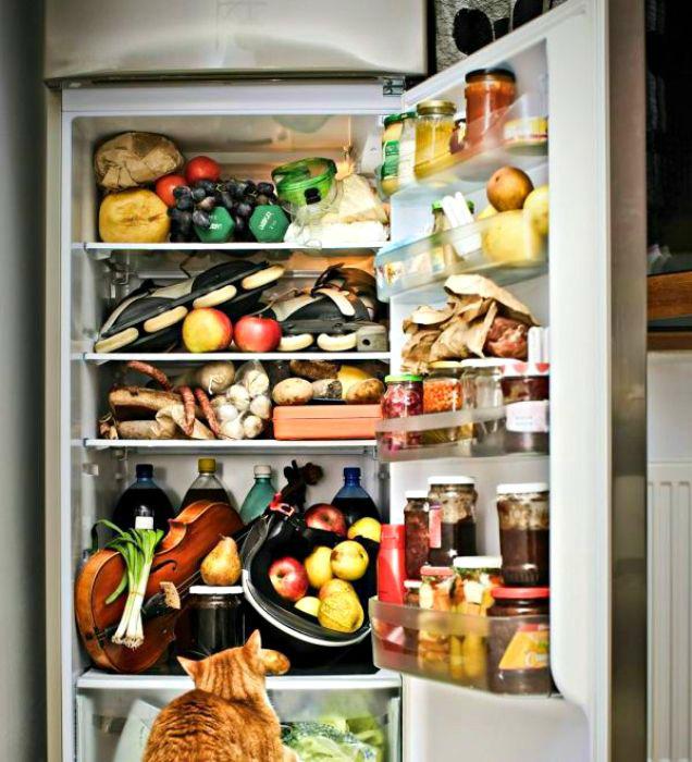 Не заполняйте холодильник под завязку.