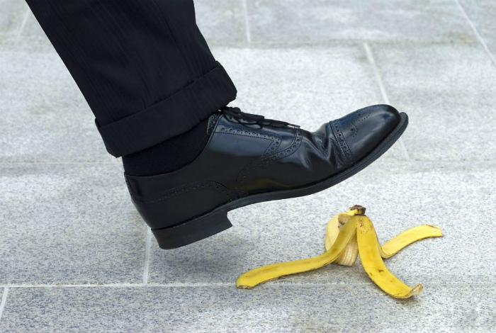 Поскользнуться на банановой шкурке невозможно.