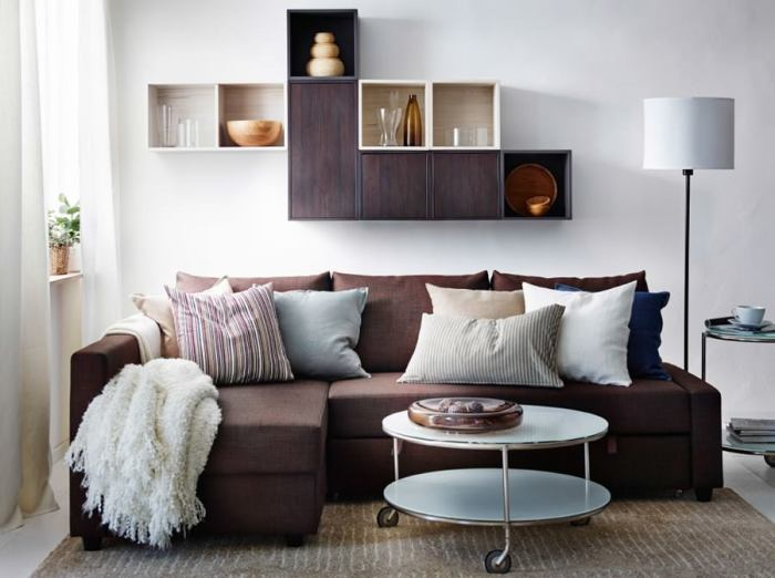Одна маленькая комната - один большой диван. | Фото: Design-homes.ru.