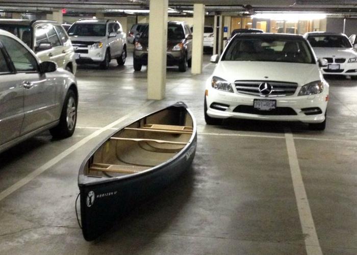 Как выделиться из толпы на подземной парковке?| Фото: Taringa!
