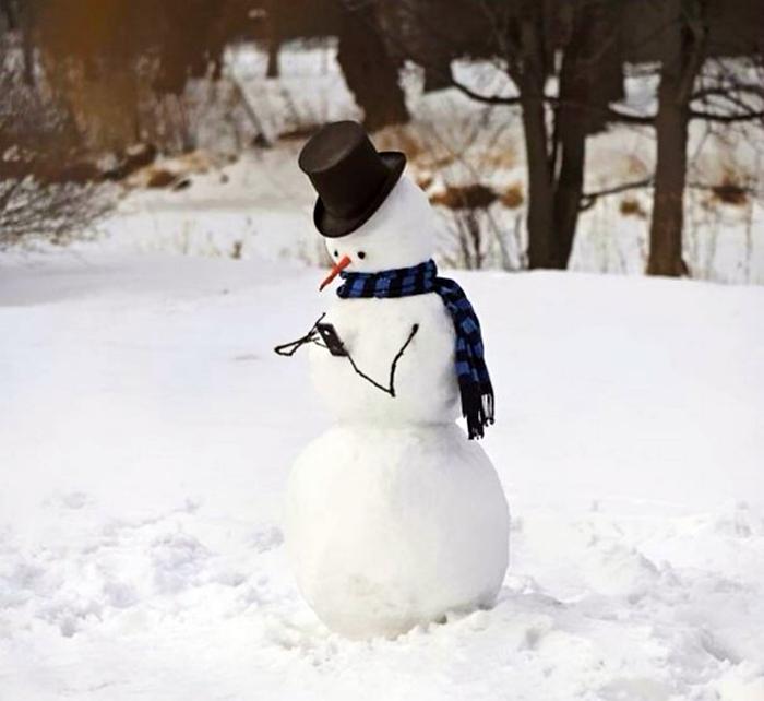 Современный снеговик.