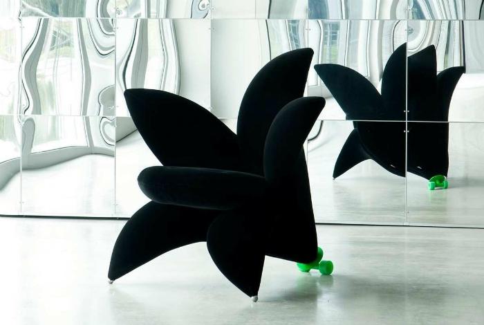 Кресло в виде цветка гиацинта.