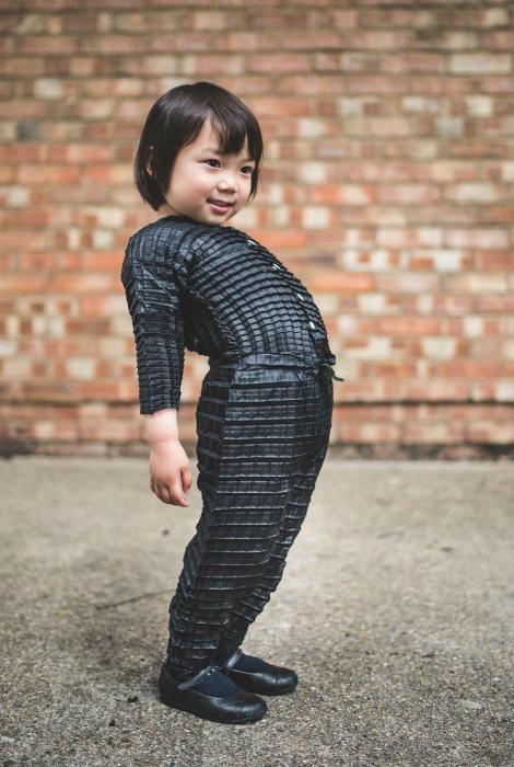 Одежда, которая растет вместе с ребенком. | Фото: Protagon.