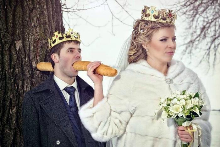 Сильная женщина убила своего короля прямо после свадьбы...багетом.
