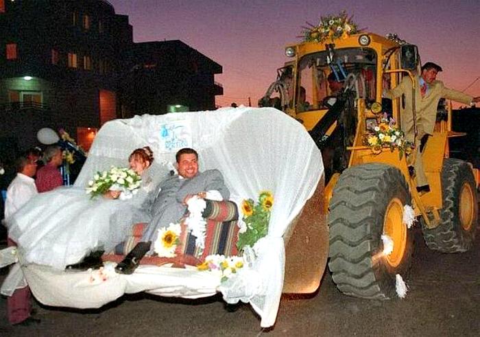 Свадебный трактор.