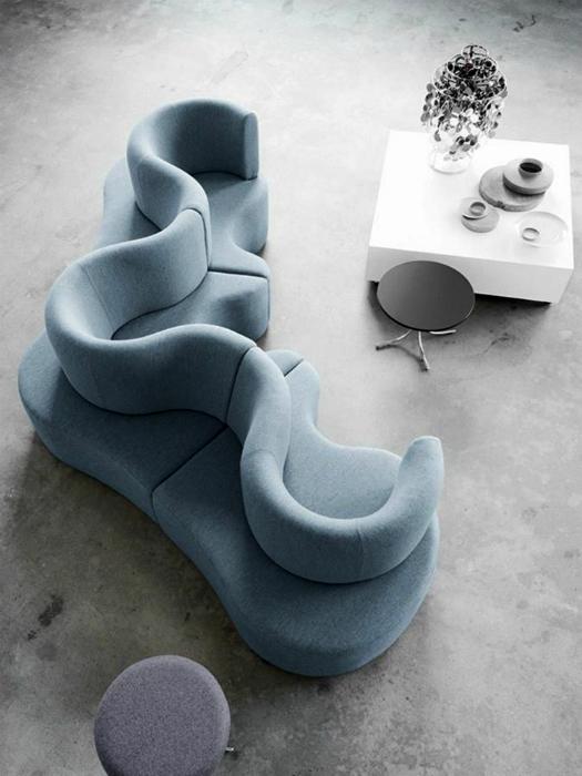 Диван от датского дизайнера Вернера Пантона.