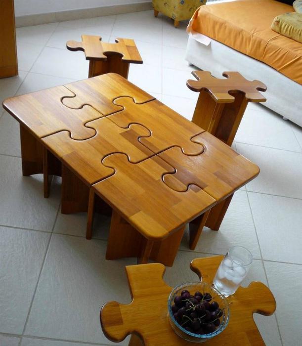 Мебель в виде частичек пазла.