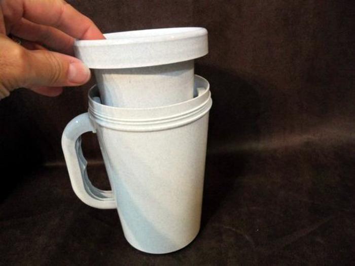Чашка с двойным дном.