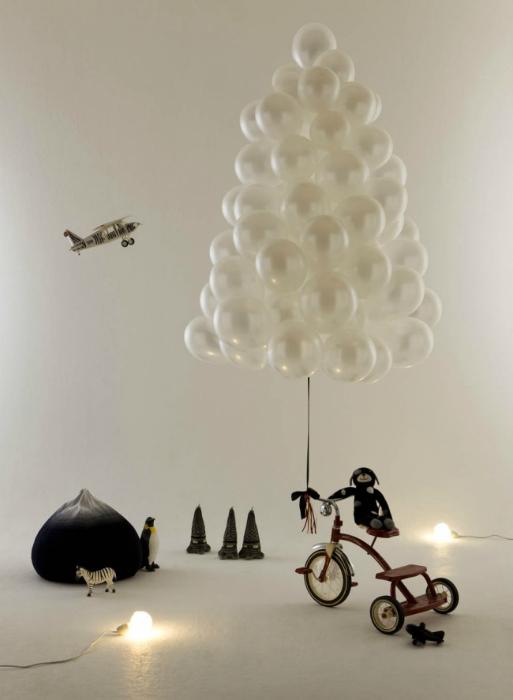 Потрясающая елка из обыкновенных воздушных шариков.