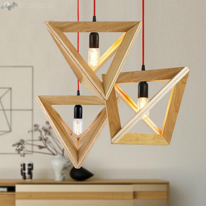Светильники в деревянных рамочках.