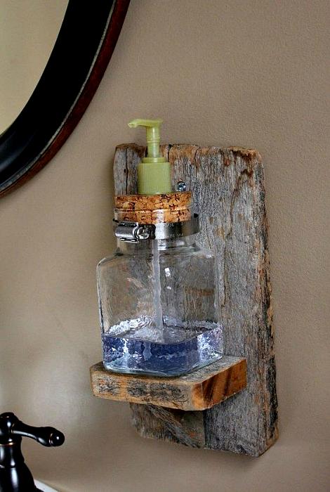Деревянная полка для мыла.