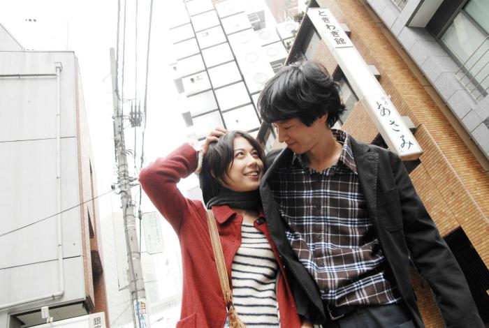 Стеснительные японские мужчины. | Фото: CineImage.