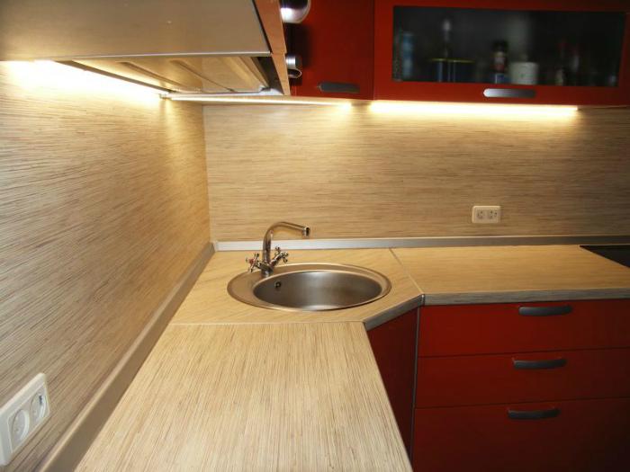 Рабочие поверхности на кухне. | Фото: Links-Stroy.