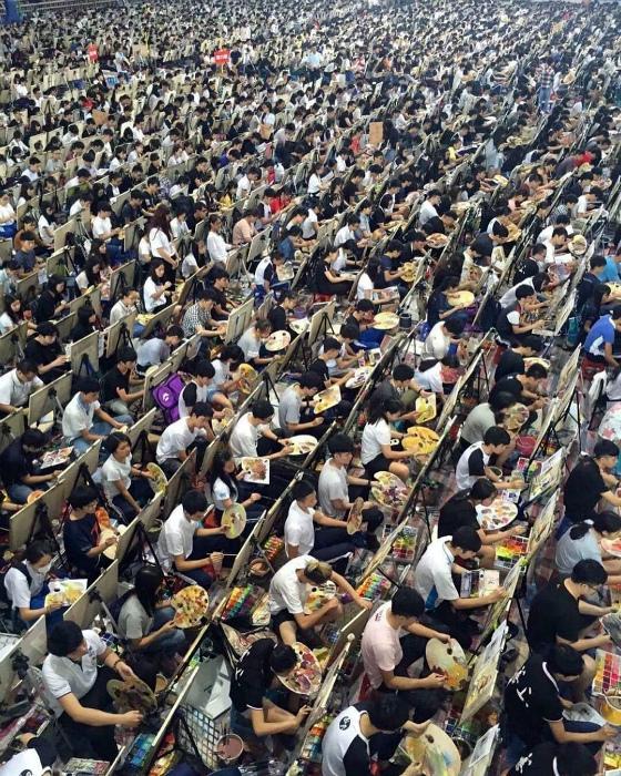 Вступительный экзамен в Китае. | Фото: Insta Stalker.